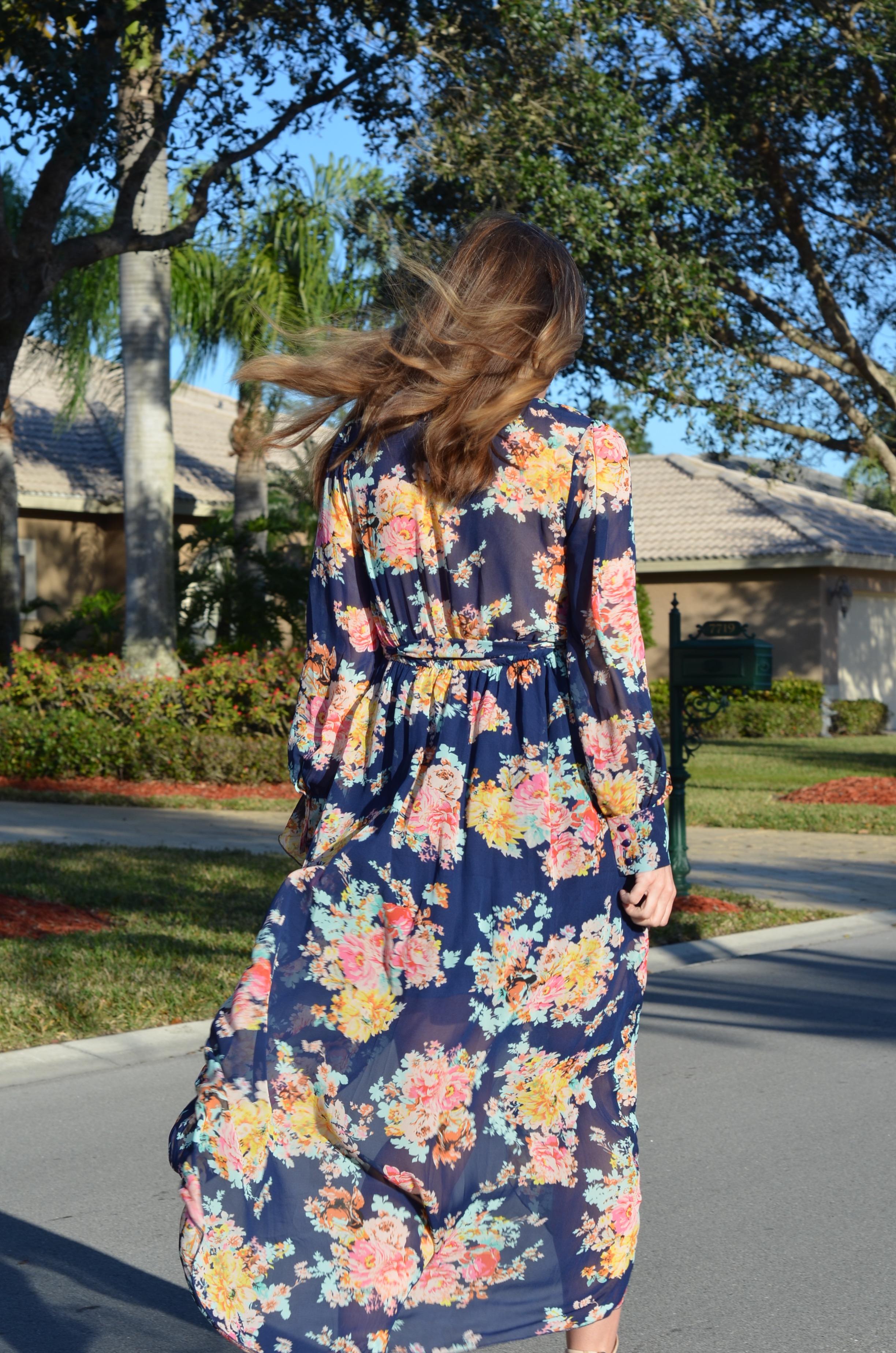 maxi dress pregnant blogger floral