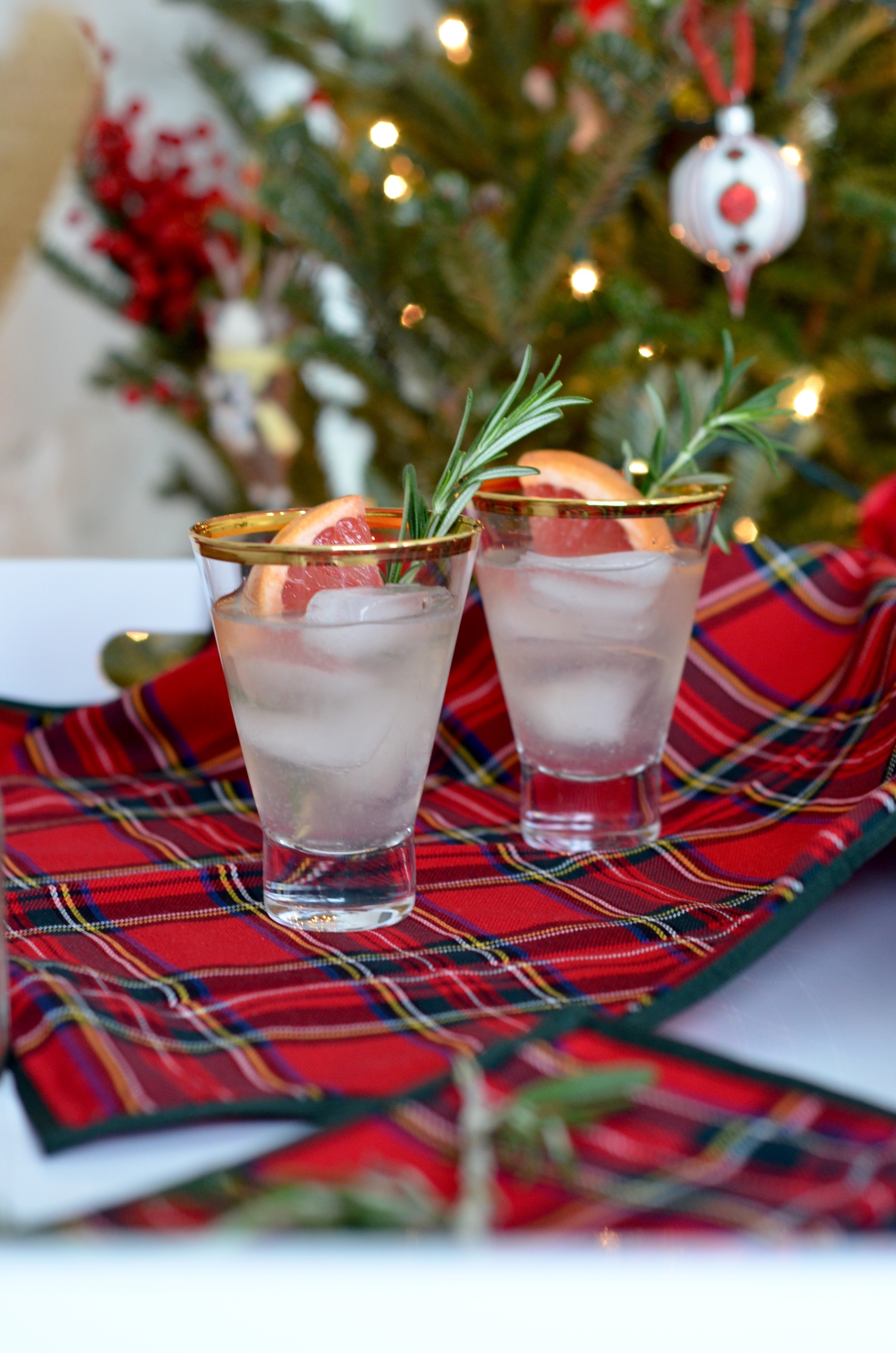 holiday cocktail recipe rosemerry pink grapefruit gin st germain